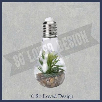 gloeilamp met plantje in steentjes copyright So Loved Design